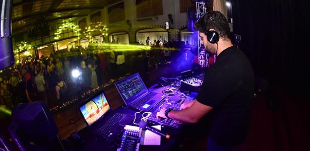 DJ MITCHU TOCANDO